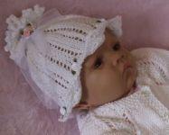 Как вязать детскую шапочку с лепестками