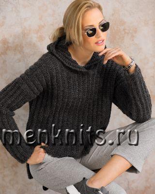 Пуловер спицами с капюшоном