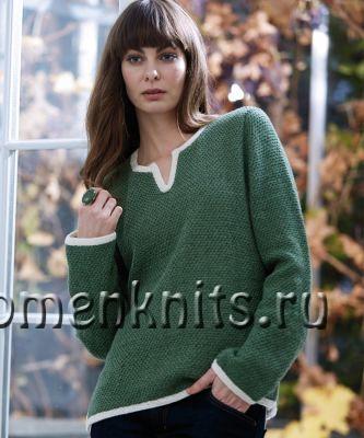 Зеленый пуловер спицами с разрезами