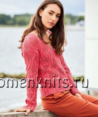 Красный пуловер спицами с ажурными ромбами