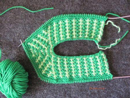 Зеленые тапочки-следочки спицами